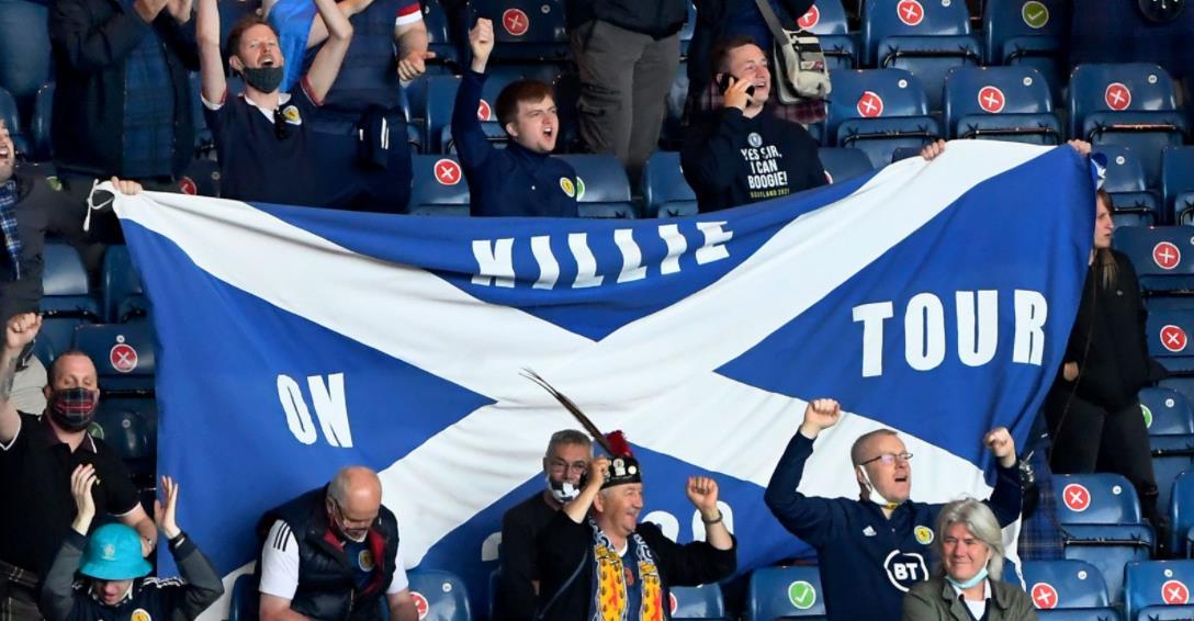 政客中的萨迪克敦促没有门票的苏格兰球迷不要前往伦敦参加比赛