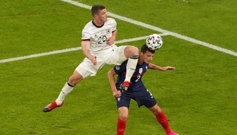 欧洲足球联合会联盟在后卫被击倒之后联系了法国足协会