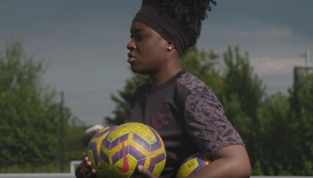 英超俱乐部任命妮可法利成为俱乐部首位女教练