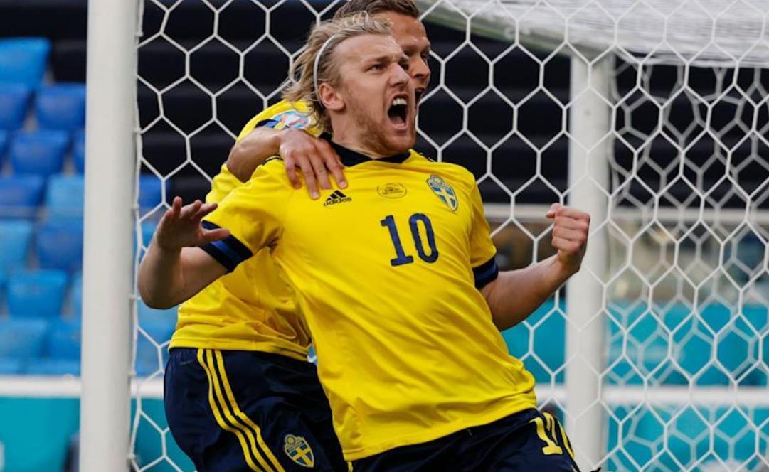 埃米尔~福斯贝里的点球帮助瑞典控制了 E 组