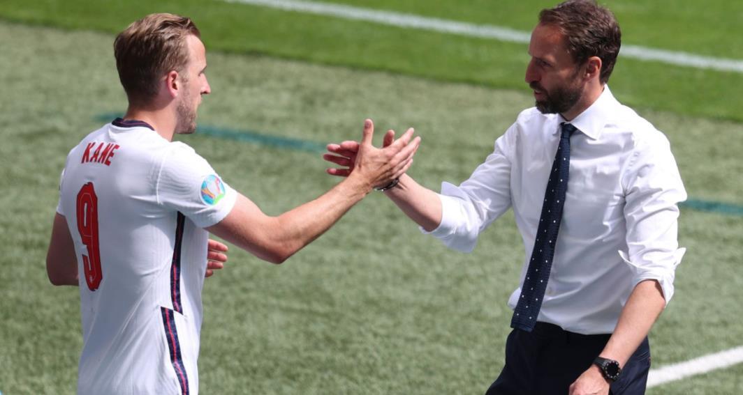 盖雷斯~索斯盖特说英格兰队长将在对阵捷克的比赛中首发