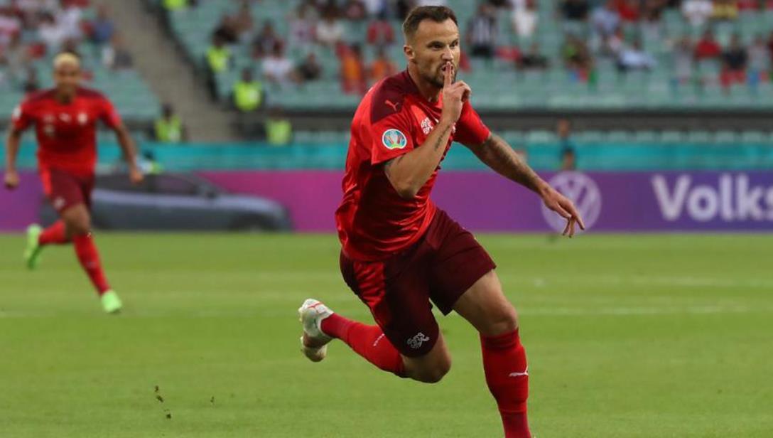 瑞士队肩膀上的压力 -塞菲洛维奇