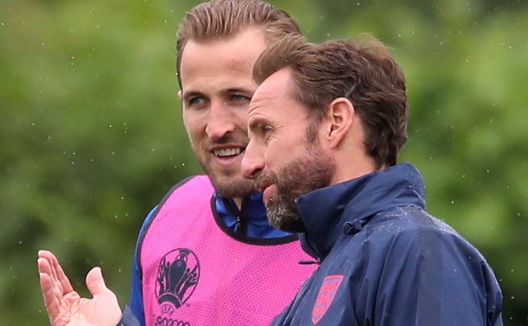 """盖雷斯~索斯盖特表示,英格兰前锋面临着""""反复循环""""的批评"""