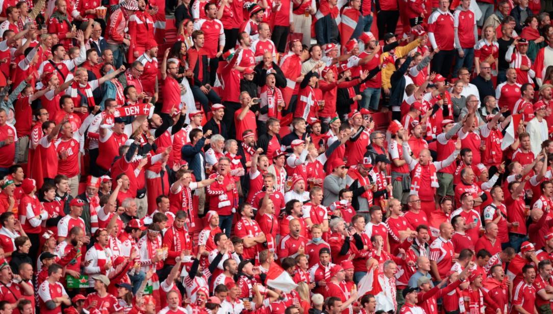 威尔士球迷被禁止参加最后 16 强
