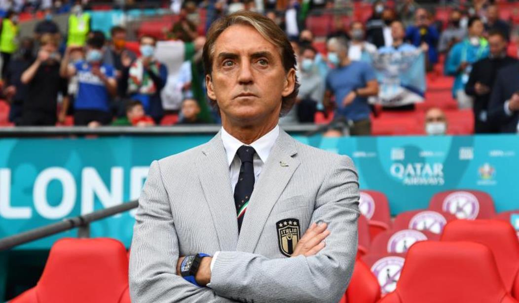 """曼奇尼欢呼""""非凡""""的意大利战胜比利时"""