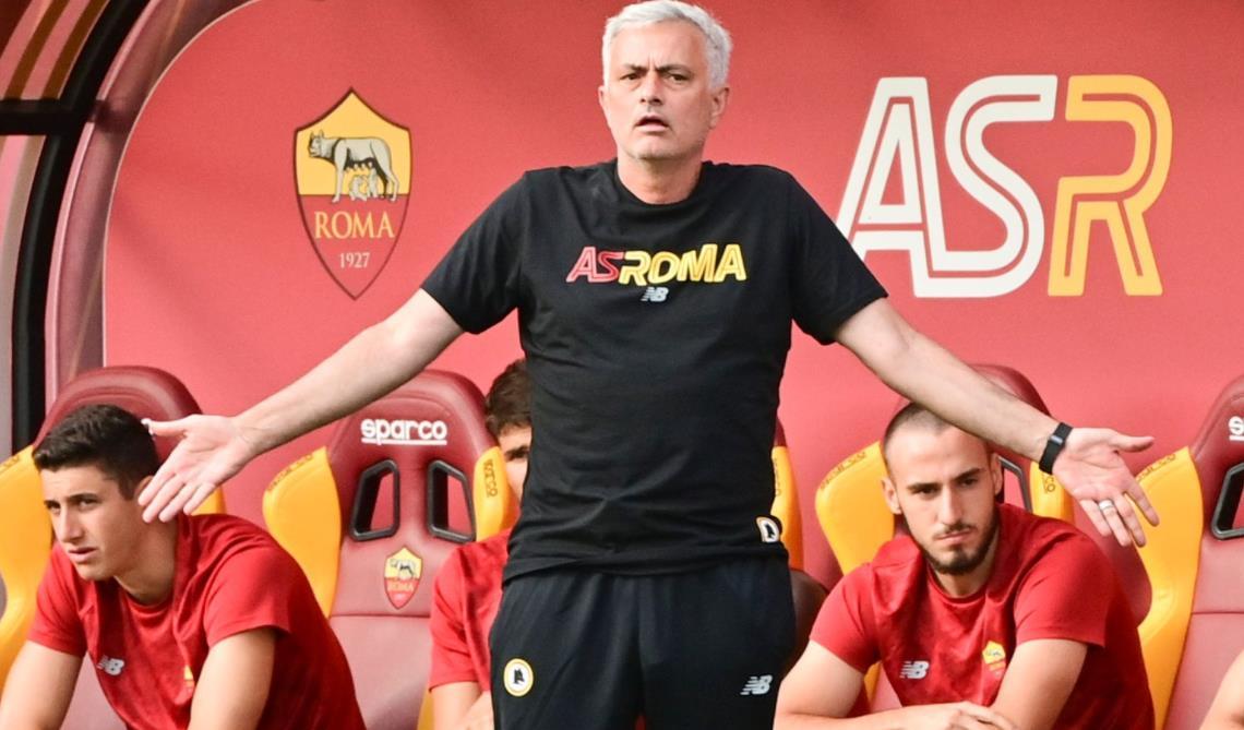 罗马在对阵意甲球队蒙特卡蒂尼的首场比赛中打进10球