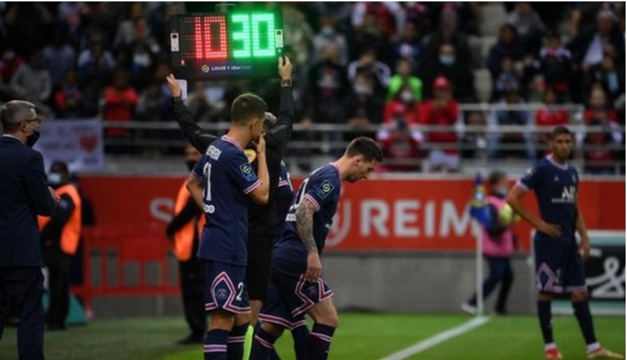 梅西首次在巴黎圣日耳曼队的比赛中 亮相