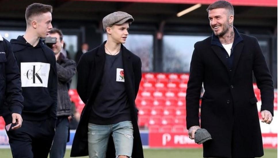 前曼联和英格兰球员的儿子罗密欧.詹姆斯.贝克汉姆为劳德代尔堡首次亮相